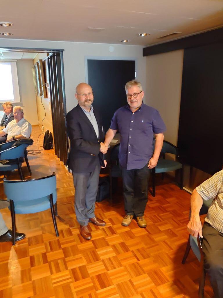 Seuran pitkäaikainen puheenjohtaja Reijo Björkman kutsuttiin kunniajäseneksi